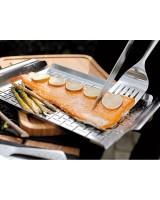 Piatto di cottura Weber -40 x 40 x 3 cm- con filetto di salmone arrosto