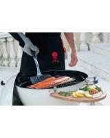 Spatola Weber da pesce in inox con salmone alla griglia