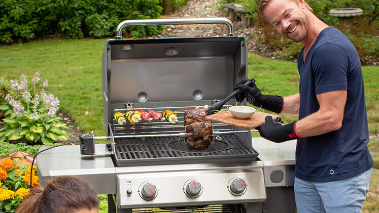 Come creare una perfetta zona barbecue in giardino